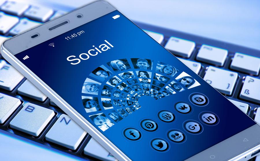 Social Media with SRF